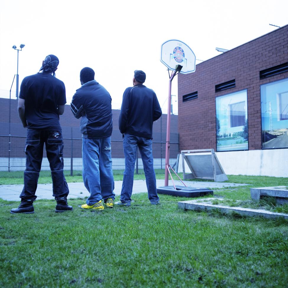 121602 Vet Vast, book, Living in borstal Doggershoek, Den Helder>2005